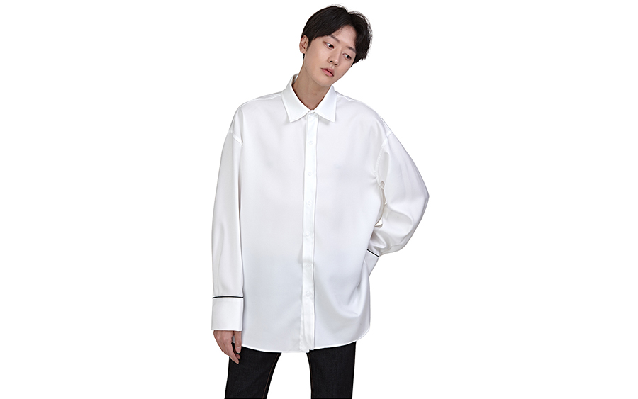 Spread Collar Piped Cuffs Shirt