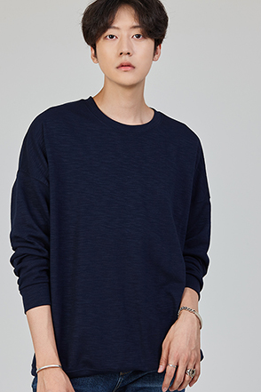 Basic Colored Pullover