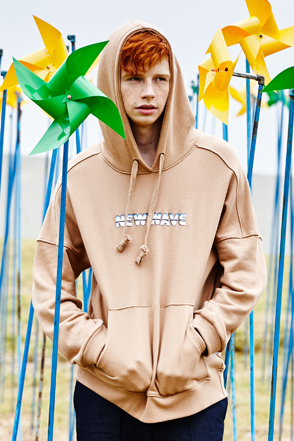AWESOME IMAGINATIONNEW WAVE Print Hoodie(Beige)