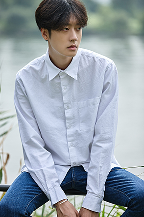 Spread Collar Button-Down Shirt