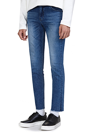 Straight Leg Raw Hem Jeans