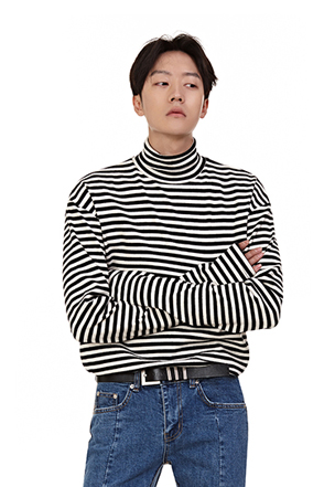 Extended Sleeve Striped Turtleneck T-Shirt
