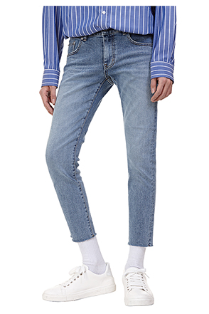 Cropped Light Wash Jeans