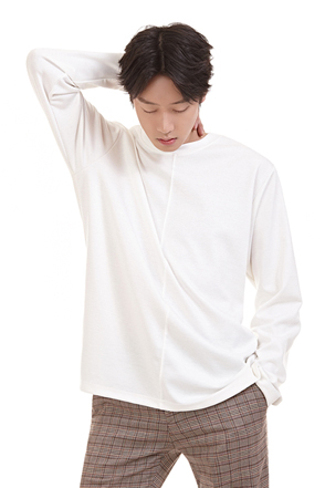 Buntto front plate cut long sleeve tee