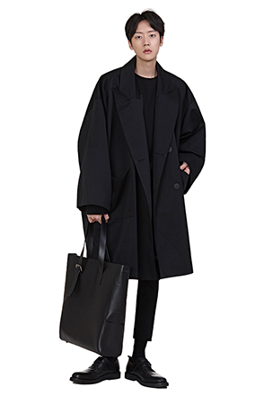 Loose Fit Peaked Lapel Coat