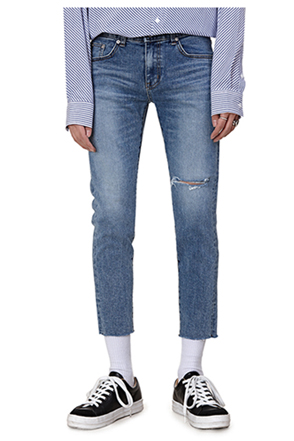 Slash Accent Frayed Hem Cropped Jeans