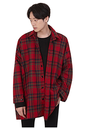 Loose Fit Plaid Button-Up Shirt
