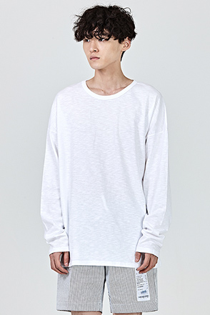 Loose Fit Extended Sleeve T-Shirt