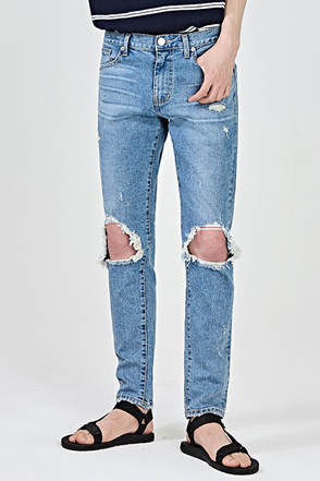 Ripped Knee Distressed Jeans