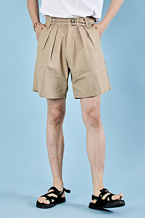 Buckled Strap Accent Pleated Shorts