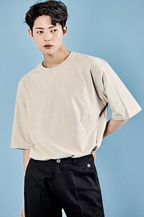Elbow Sleeve Loose Fit T-Shirt