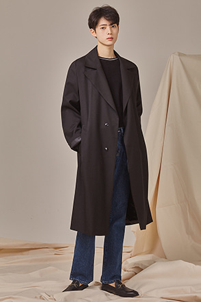 Wide Notched Collar Coat