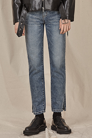 Slit Accent Straight Leg Jeans