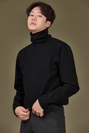 Relaxed Fit Turtleneck T-Shirt