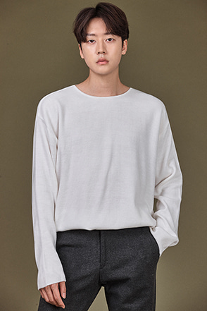 Round Neck Long Sleeve T-Shirt