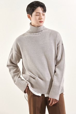 Rolled Turtleneck Sweater