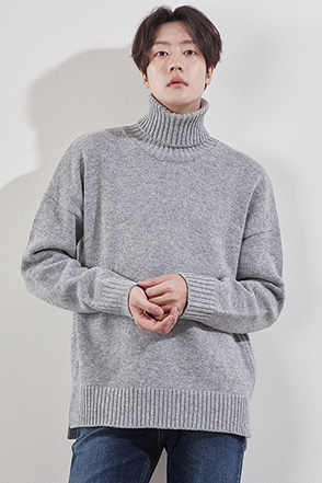 Loose Rolled Turtleneck Sweater